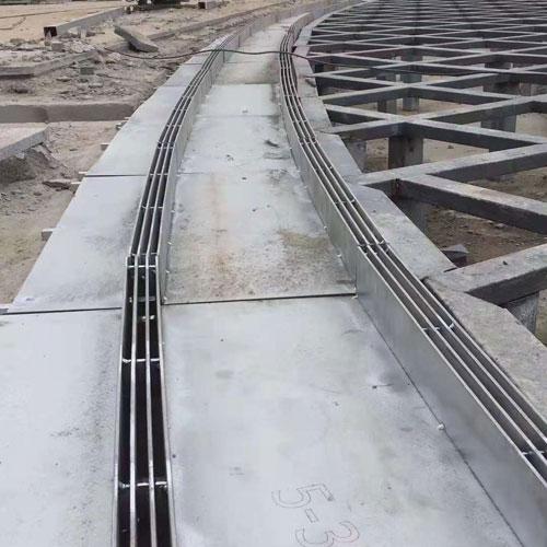 地面雨水收集线型地沟实例