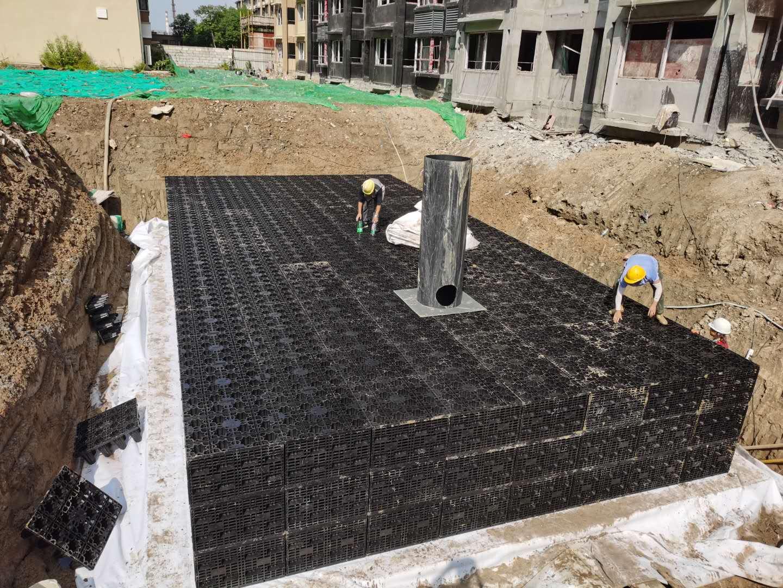 金凤梧桐华苑雨水收集回用系统签约并施工3