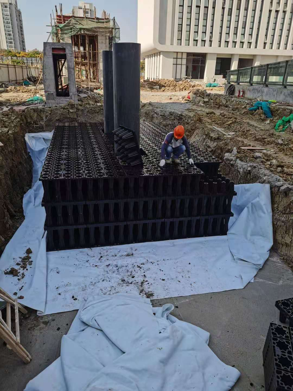 江苏淮安国联医疗卫生服务中心项目雨水收集回用系统施工4